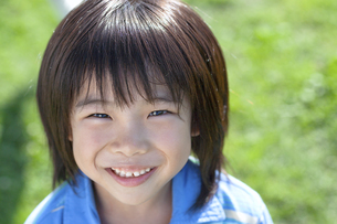 笑顔の男の子の写真素材 [FYI04779505]