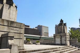 大阪中之島・水晶橋の写真素材 [FYI04779920]