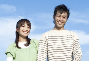 笑顔の夫婦の写真素材 [FYI04780329]