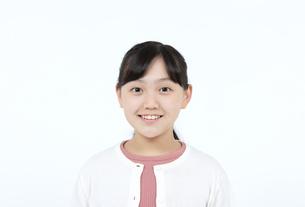 笑顔の女の子の写真素材 [FYI04780842]
