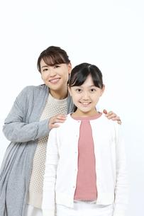 笑顔の母娘の写真素材 [FYI04780873]