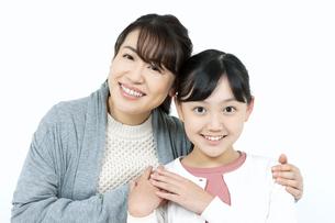 笑顔の母娘の写真素材 [FYI04780876]