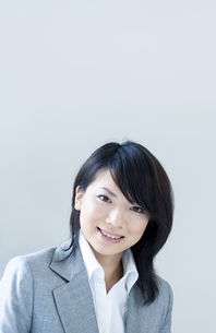 笑顔のビジネスウーマンの写真素材 [FYI04781208]