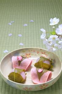 桜餅の写真素材 [FYI04781337]