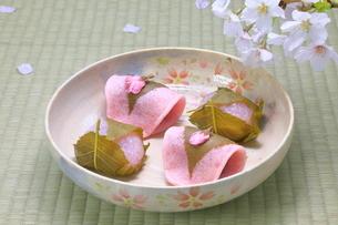 桜餅の写真素材 [FYI04781340]