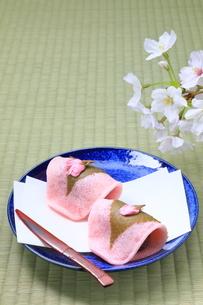 桜餅の写真素材 [FYI04781342]