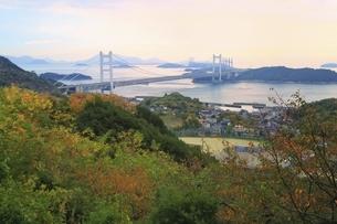 秋の瀬戸大橋の写真素材 [FYI04782006]
