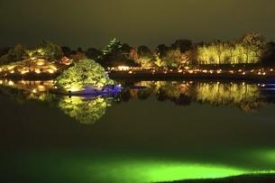 秋の幻想庭園 岡山後楽園の写真素材 [FYI04782020]