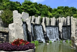 淡路島,国営明石海峡公園,滝のテラスの写真素材 [FYI04782185]