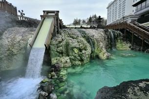 草津温泉の湯畑の写真素材 [FYI04782689]