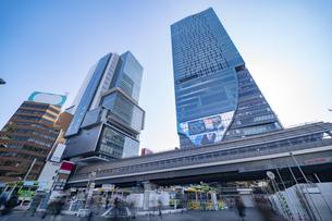 渋谷駅前の高層ビルの風景の写真素材 [FYI04783361]