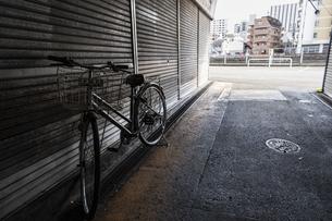 自転車のある風景の写真素材 [FYI04783778]