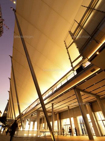 東京駅八重洲口 グランルーフの写真素材 [FYI04784133]