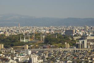 九州新幹線と熊本城の写真素材 [FYI04784453]