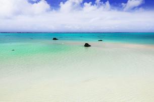 沖縄・下地島の17ENDの美しい海の写真素材 [FYI04785082]
