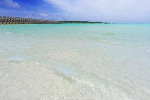 沖縄・下地島の17ENDの美しい海の写真素材 [FYI04785088]