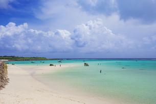 沖縄・下地島の17ENDの美しい海の写真素材 [FYI04785093]