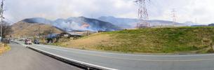 阿蘇俵山野焼き風景2020年3月15日の写真素材 [FYI04785938]