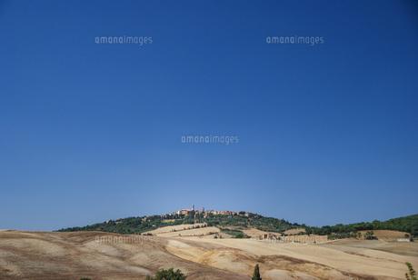 トスカーナののどかな美しい風景の写真素材 [FYI04786056]