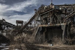 廃工場の写真素材 [FYI04786100]