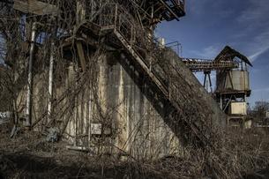 廃工場の写真素材 [FYI04786108]