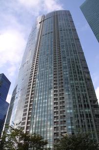 シンガポールのガラス張りの高層ビルの写真素材 [FYI04786198]