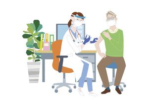 予防接種会場で、新型コロナウイルス感染症のワクチン接種を受けるシニア男性のイラスト素材 [FYI04786557]