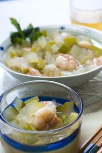 冬瓜冷製スープの写真素材 [FYI04786746]