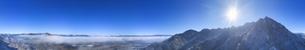 前山から望む独鈷山と塩田平と雲海の全周パノラマの写真素材 [FYI04787204]