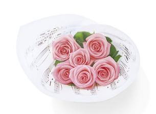楽譜とバラの花束の写真素材 [FYI04787757]