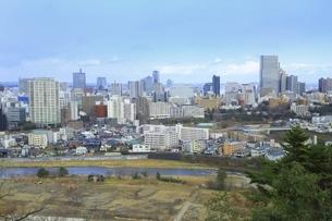 仙台城址より望む仙台市街の写真素材 [FYI04788758]