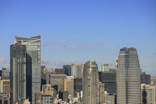 麻布十番から見える虎ノ門方面の高層ビル群の写真素材 [FYI04788974]