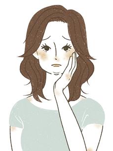 顔のむくみ・脂肪に悩む女性のイラスト素材 [FYI04789297]