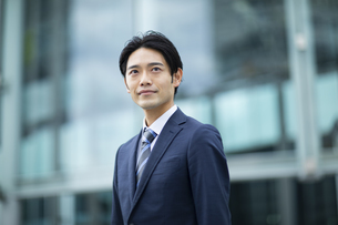 ビジネススーツの男性の写真素材 [FYI04789535]