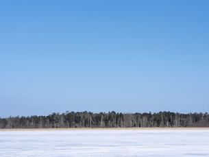 冬の風蓮湖の写真素材 [FYI04789927]