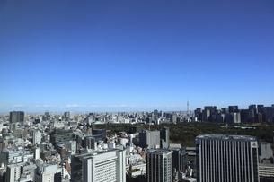 東京紀尾井町から見える丸の内方面の高層ビル群の写真素材 [FYI04789947]