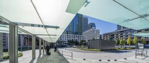 東京駅丸の内と駅前広場の写真素材 [FYI04790141]
