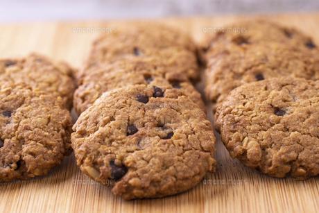 チョコチップクッキーの写真素材 [FYI04790177]