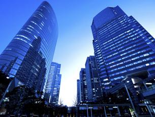 東京都 品川駅前の高層ビル街の写真素材 [FYI04790507]