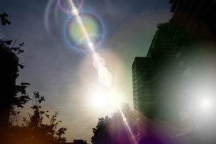 夜明けの武蔵小杉の高層マンション群の写真素材 [FYI04790908]