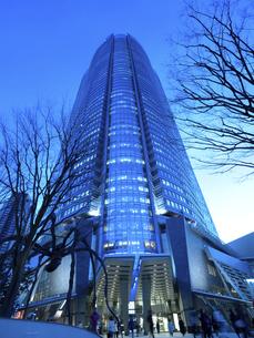 夕暮れの六本木ヒルズ 東京都の写真素材 [FYI04791629]