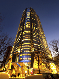 夕暮れの六本木ヒルズ 東京都の写真素材 [FYI04791643]