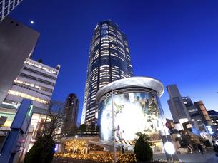 夕暮れの六本木ヒルズ 東京都の写真素材 [FYI04791662]
