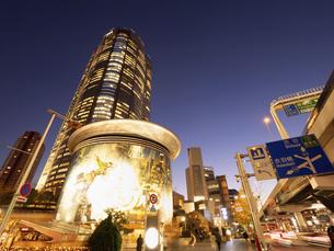 夕暮れの六本木ヒルズ 東京都の写真素材 [FYI04791664]