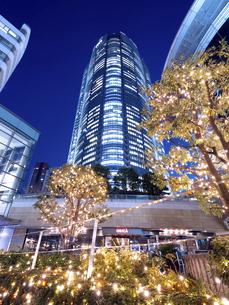 夕暮れの六本木ヒルズ 東京都 の写真素材 [FYI04791672]