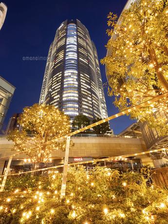 夕暮れの六本木ヒルズ 東京都 の写真素材 [FYI04791677]