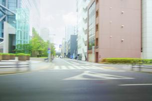 走行撮影 街並みの写真素材 [FYI04792724]