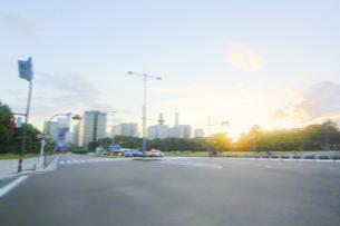 街並み 走行車両よりの写真素材 [FYI04792752]