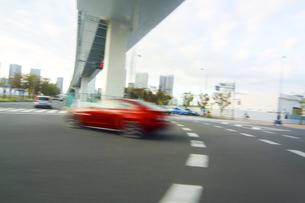 街並み 走行車両よりの写真素材 [FYI04792757]