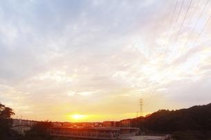 街の夕焼けの写真素材 [FYI04792783]